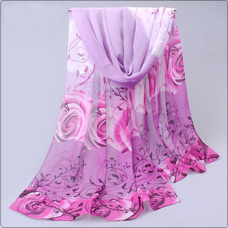 Dámský šátek s motivy růží