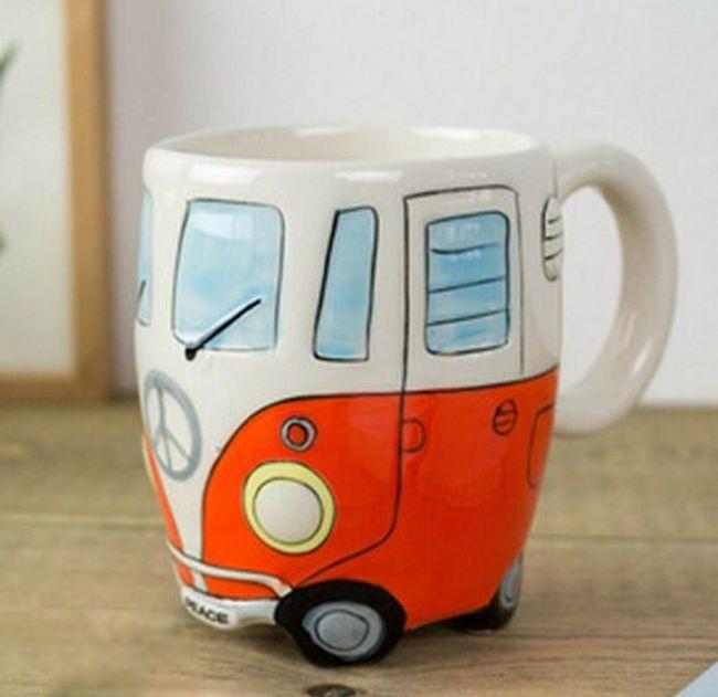 Hrnek ve tvaru autobusu 1