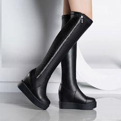 Črni visoki škornji z zadrgo