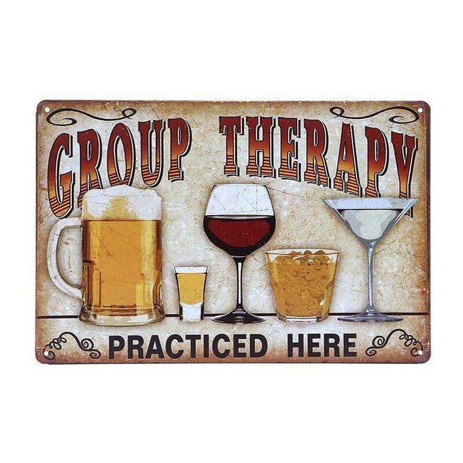 Kovinski stenski znak na - Skupinska terapija 1
