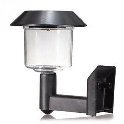 LED napelemes lámpa a kertben