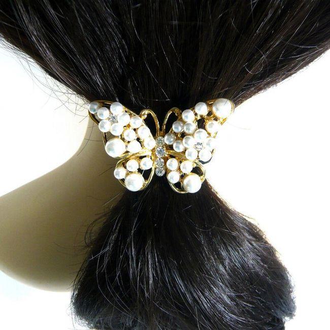 Krásná gumička do vlasů s motýlkem z perel a kamínků 1