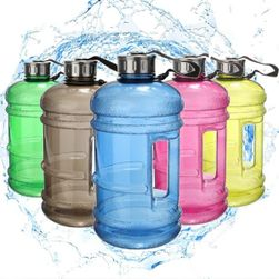 Sportovní lahev na vodu z ekologického materiálu