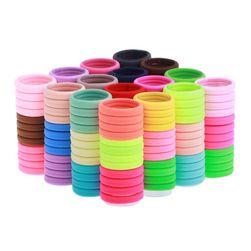 Velké balení gumiček do vlasů v zářivých barvách nebo černé barvě