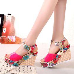Sandály na klínku - 3 varianty