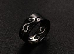 Moški prstan - črne barve
