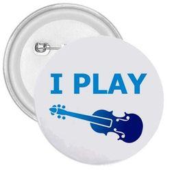 Placka hraji na housle