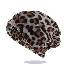 Женская шапка B06566