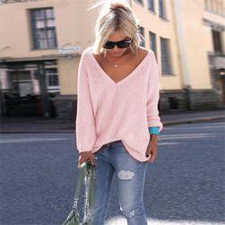 Przewiewny sweter z dużym dekoldem - 10 kolorów