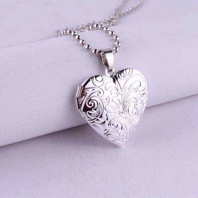 Medaljon u obliku srca 1