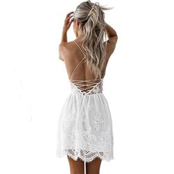 Poletna čipkasta obleka z golim hrbtom