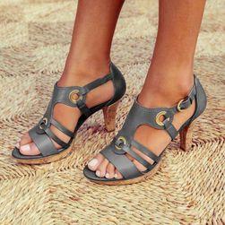Dámské boty na podpatku DB4