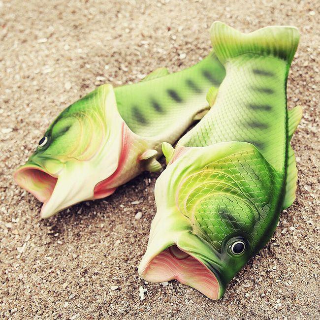 Gumijasti copati v obliki rib - različne velikosti 1