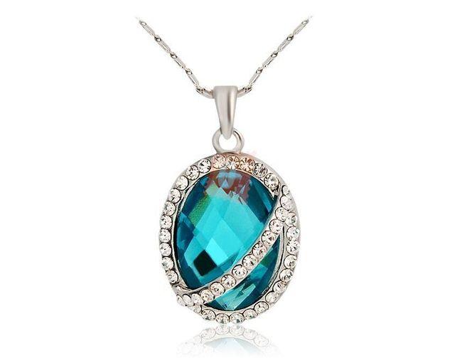 Elegantní náhrdelník s velkým modrým kamenem 1