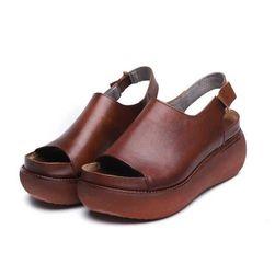 Ženske sandale na platformu DS577