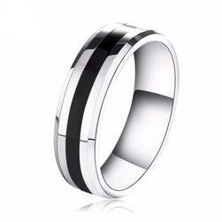 Pánský prsten ve stříbrné barvě