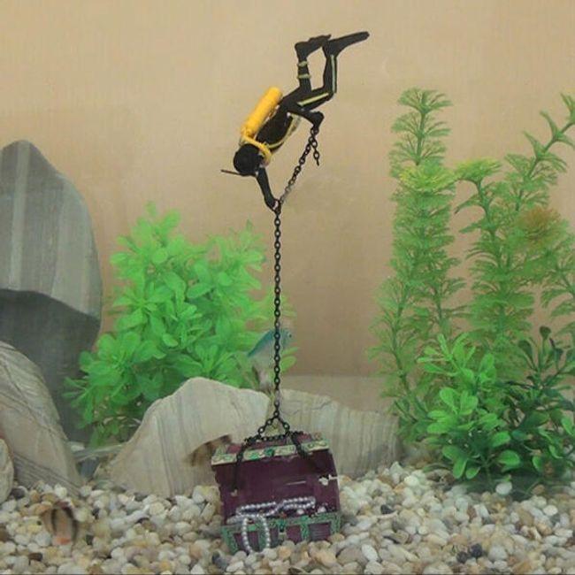 Декорация для аквариума- Драйвер с сокровищем 1