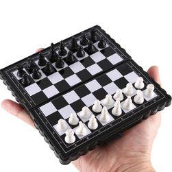 Putni magnetni šah Owo