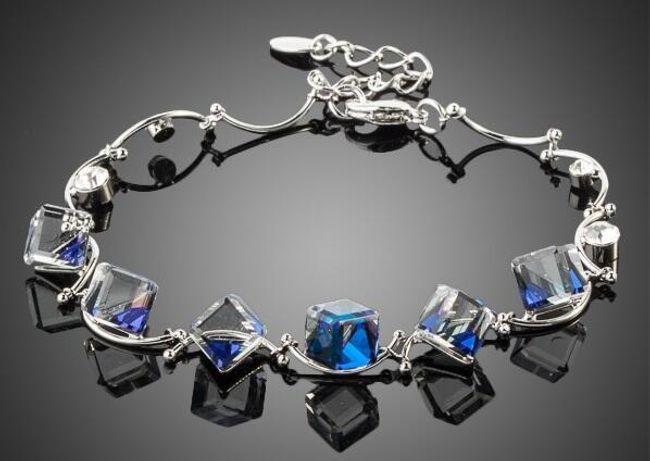 Náramek s modrými kamínky 1