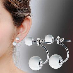 Elegáns fülbevaló - két gyöngyökkel