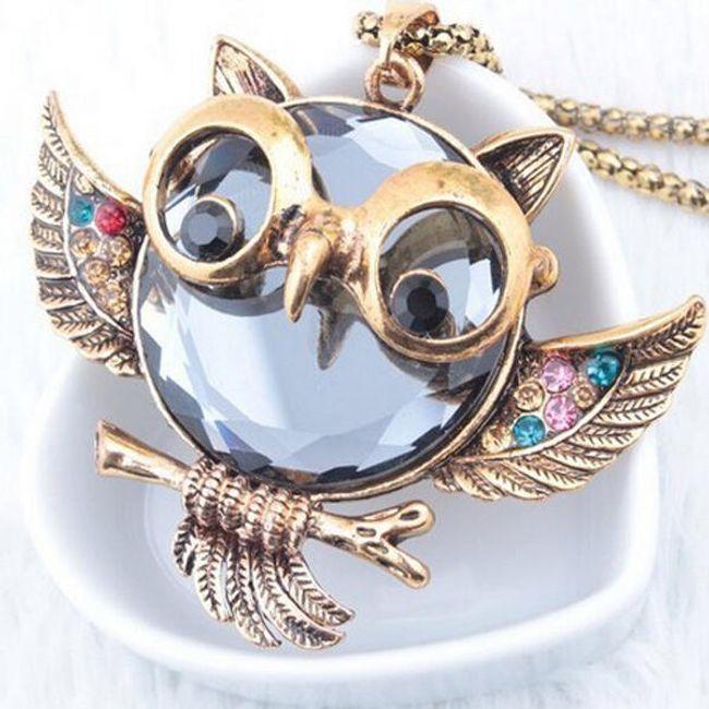 Naszyjnik z wisiorkiem w kształcie sowy z błyszczącymi kamyczkami 1