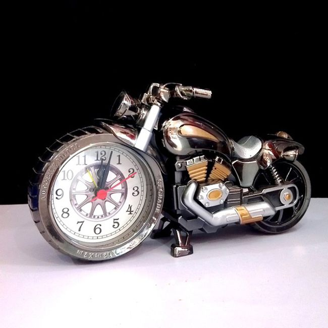 Мотоциклет с часовник 1
