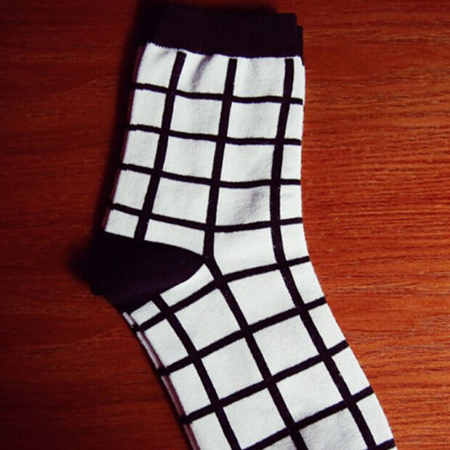 5 pár fekete-fehér zokni