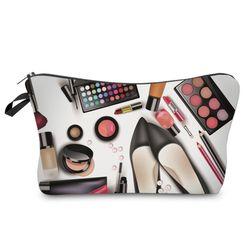 Kozmetikai táska smink mintákkal