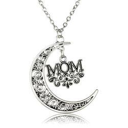 Ogrlica z luno in napisom MOM