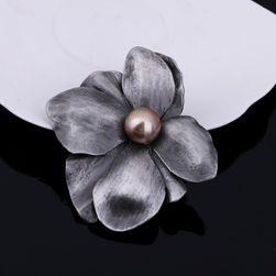 Brosa florala cu pietricica