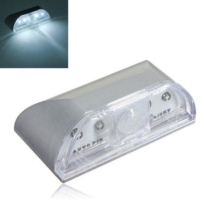 4 LED фонарь с датчиком движения 1