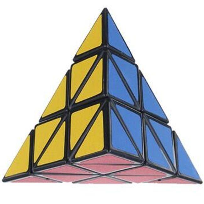 Rubikova kocka v obliki piramide 1