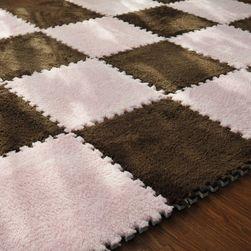 Składany dywan z pluszową powierzchnią