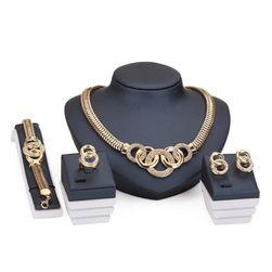 Sada šperkov luxusného dizajnu