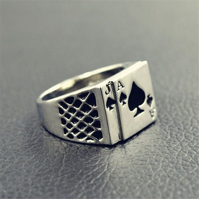 Перстень с мотивом карточных мастей 1