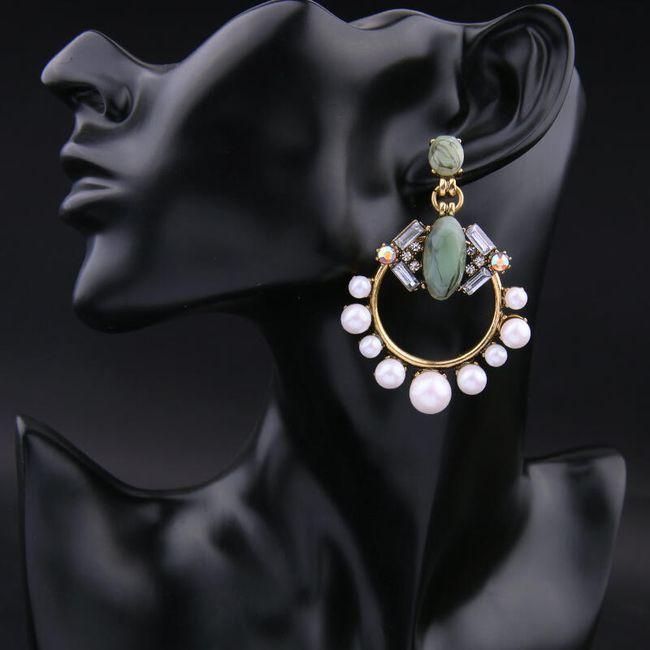 Kruhové náušnice zdobené perličkami 1