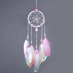 Hvatač snova sa dugim perjem i biserima