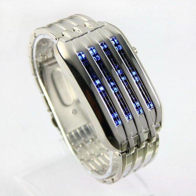 Hodinky s unikátním zobrazováním času se 44 LED ve stříbrné barvě 1