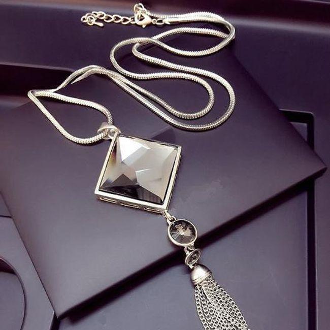 Ogrlica v srebrni barvi 1