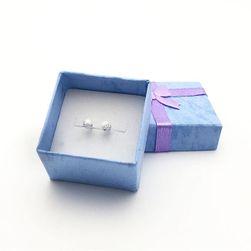 Jednoduchá dárková krabička na šperky