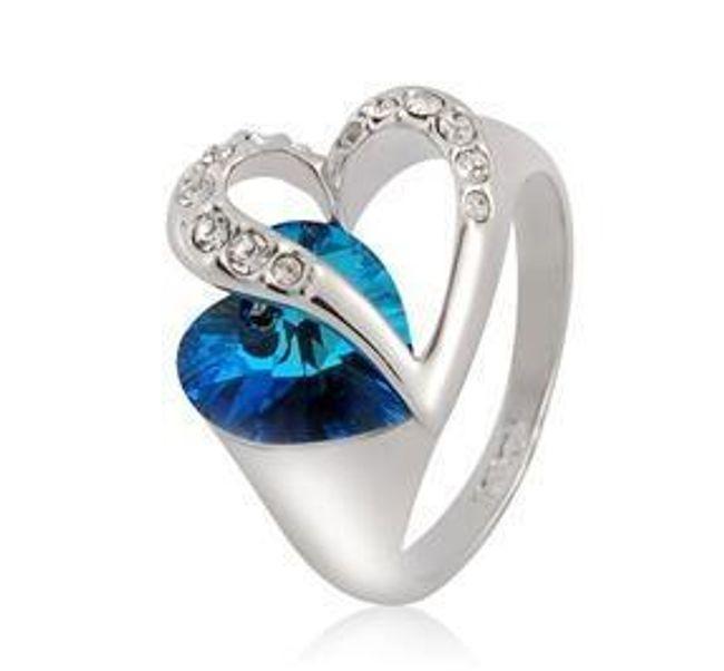 Pierścionek  w kształcie serca z niebieskim kamyczkiem 1