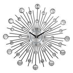 Stenska ura s sončnimi žarki