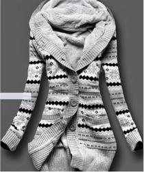 Ženski pulover  velikost št. 2
