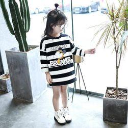 Dívčí šaty s různými motivy - 18 variant