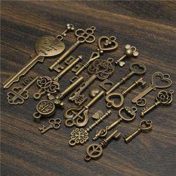 Set od 19 privezaka u obliku ključa