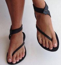 Ženske sandale s pasom