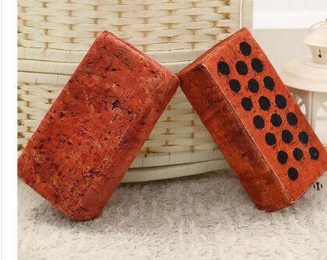 Pernă confortabilă în formă de cărămidă 1