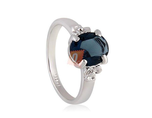 Prstýnek s tmavě modrým kamenem - stříbrná barva 1