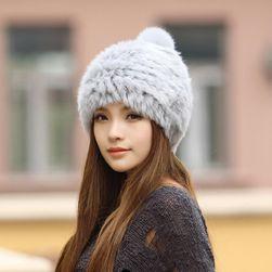 Căciulă de iarnă cu blăniță pentru femei - culori mixte