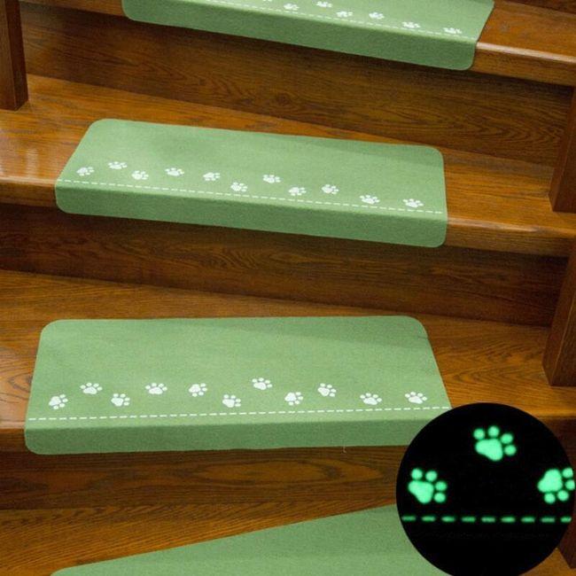 Tepih za stepenice sa svetlećim šapama 1
